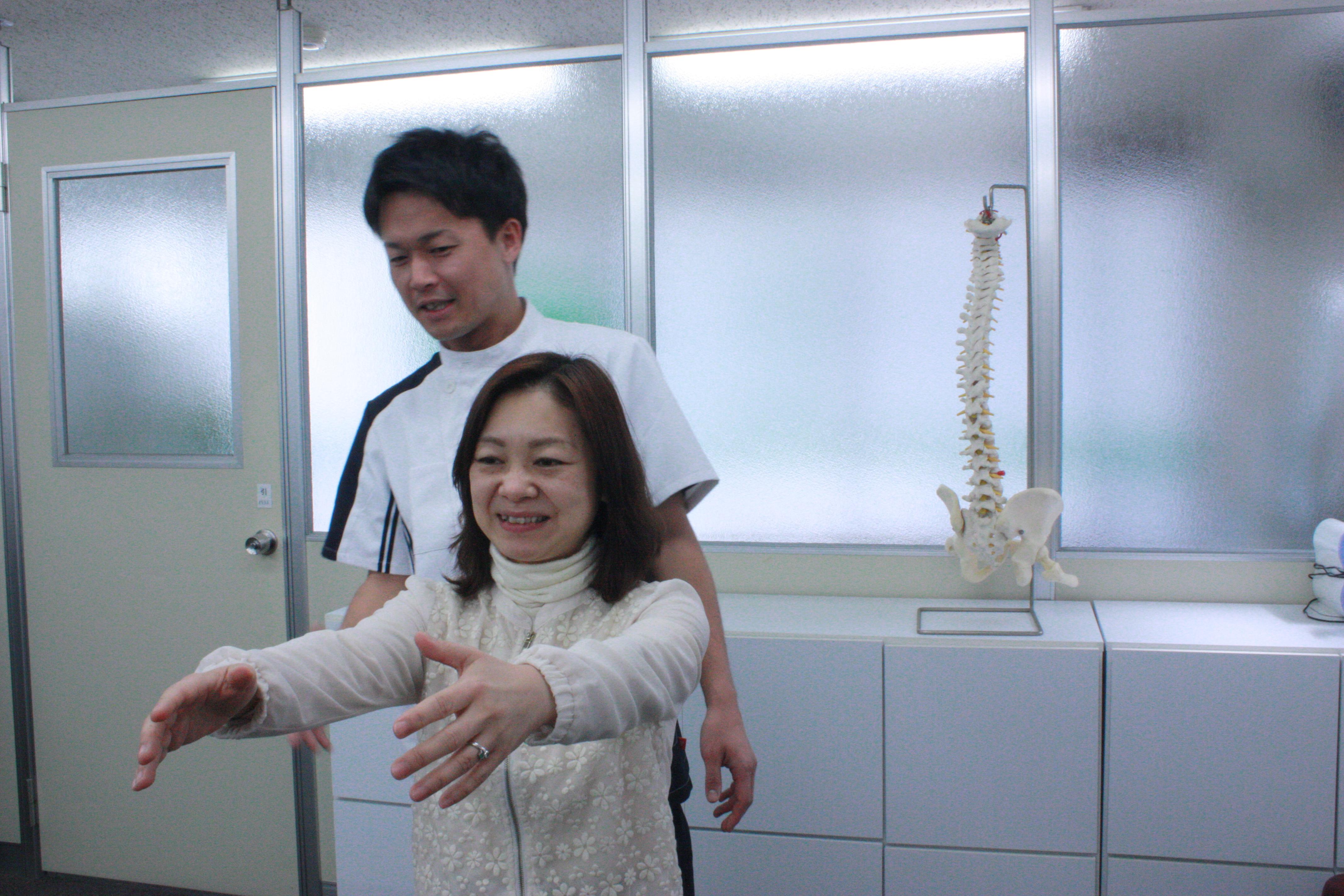 身体のバランスを分析して痛みの原因を突き止めます